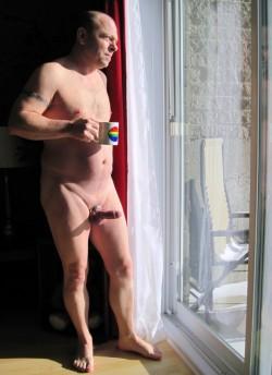J'aime etre tout nu et m'exhiber