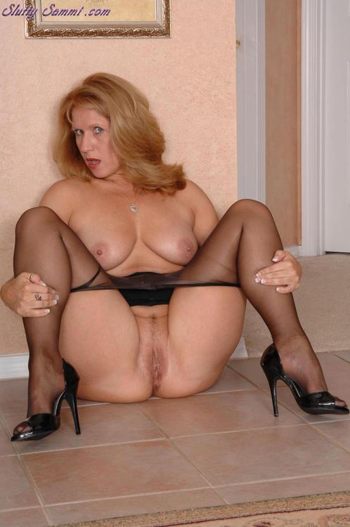 Nude twerking
