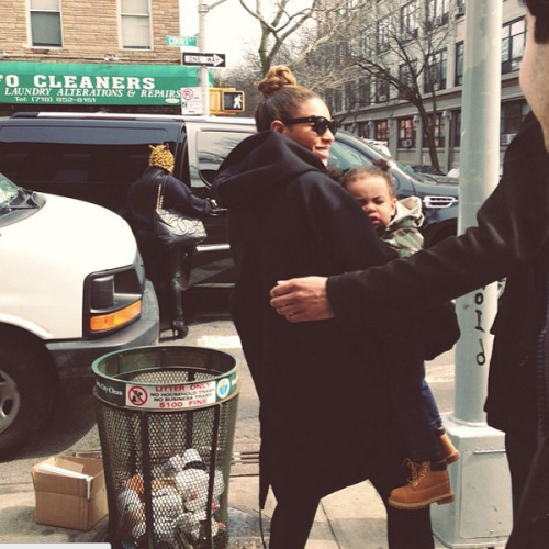 theniggaskaramazov:  pussyharvest:   Beyoncé and Blue Ivy !  SHE HAS LITTLE TUFTS OF HAIR NOW LOOK AT HER PIGTAILS  babies in timbs ;-;