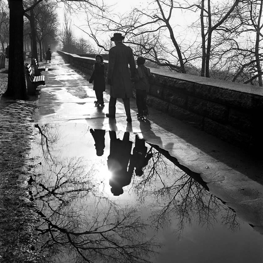 Back Toward Central Park: New York City, 1953 by Vivian Maier (via)