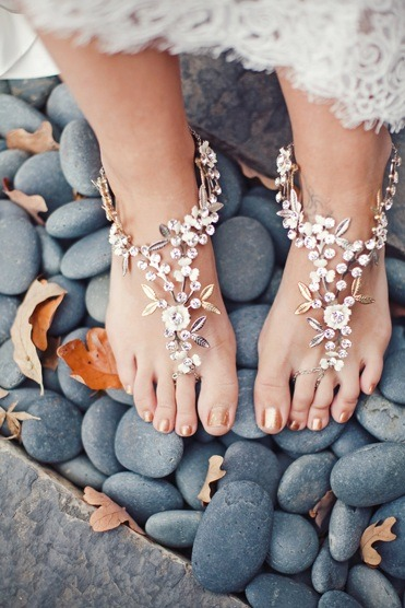 bridalsnob:  Gorgeous foot jewelry | by Debra Moreland