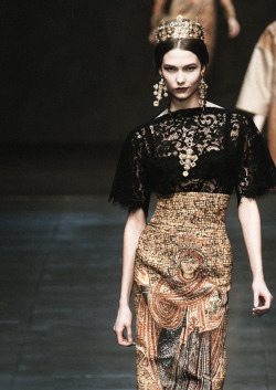 romanticnaturalism:  Karlie Kloss at Dolce & Gabbana Fall 2013