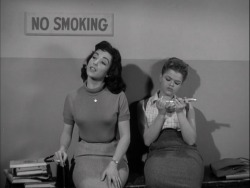 gif film vintage 1950s 50s female gangs