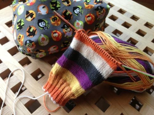 Halloween socks on the needles :)