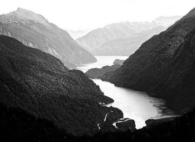 evocates:  Doubtful Sound by McSnowHammer on Flickr.