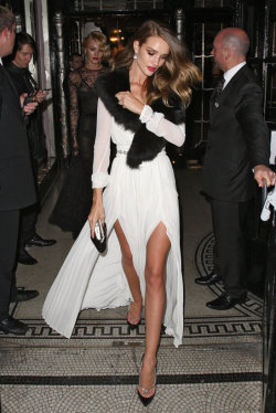 rosie huntington-whiteley <3