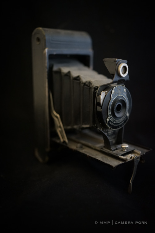 lensblr-network:  Eastman Kodak Company | No 24 Folding Cartridge Hawk-Eye by mmpblog.tumblr.com
