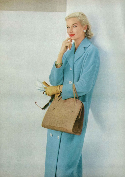 theniftyfifties:  Sunny Harnett for Vogue, April 1956.