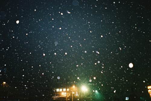 over-ture:  Snow (by P5000)