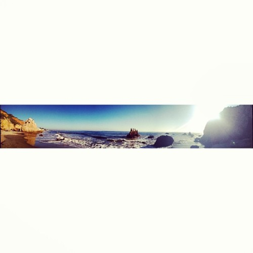 #tbt #malibu #pano #panoramic #beach #wavy #naturalbeach #hashtags #igpanoramics  #squaready  (at El Matador Beach)