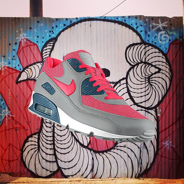low_brow's #airmax iD Swampy from Nike PHOTOiD: http://photoid.nike.com/shoe-detail/12279.htm  Or maybe I want these ones…