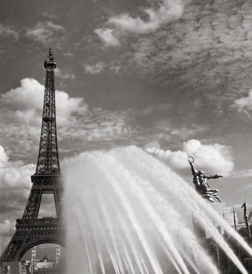#soon  vintagemarlene:  expo 1937, paris by eva besnyo (via historyinphotos.blogspot.com)