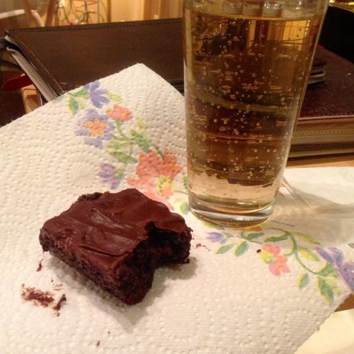 Hour 14: We've broken out the chocolate and the alcohol with brownies and blueberry vodka ginger ale. Even better, less than 100 pages to go. Keep it up everyone! #readathon