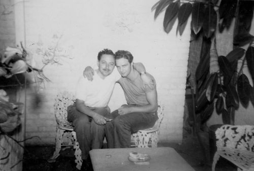 Photo of Tennessee Williams and Marlon Brando (1948)