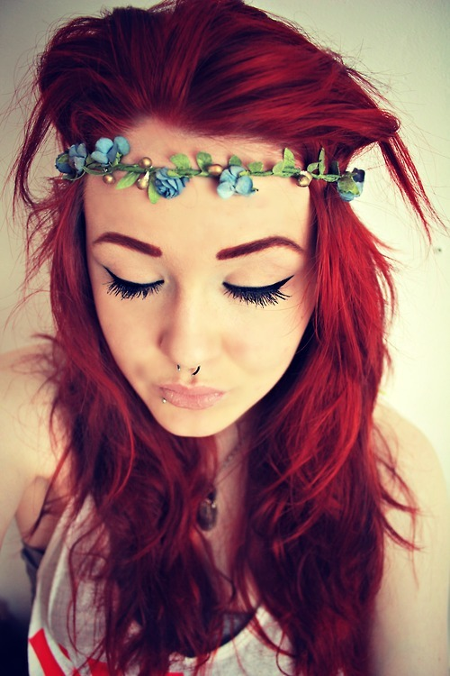 to-the-stage-iva:  flower head band