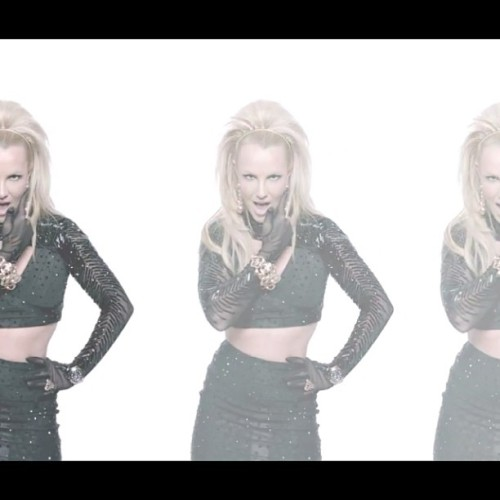 The Holy Trinity ! @britneyspears #britneyspears #britney #queenofpop #screamandshout #william #pop #music #britneyarmy #bringtheaction #icon #legend #hot #girl