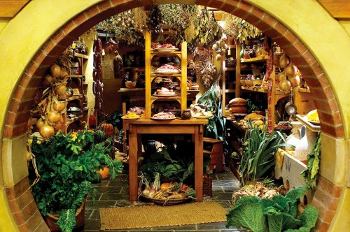 the-brightness-of-earendil:  Middle Earth food - Hobbit cellar