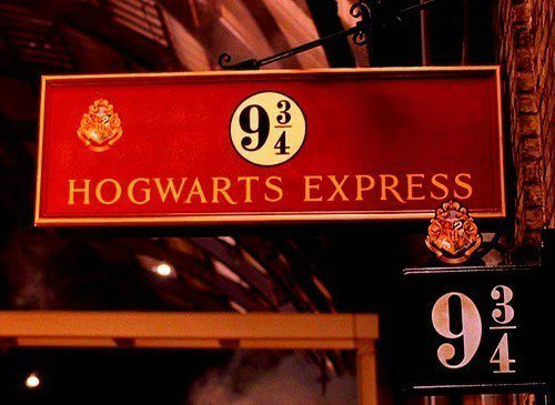 221bbakerstreet-london:  HarryPotter ! ** on We Heart It - http://weheartit.com/entry/48648347/via/frozenhalo
