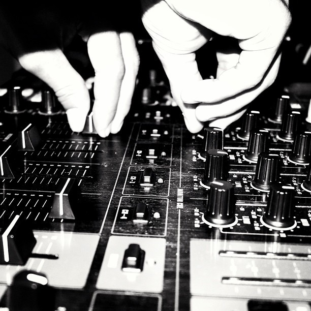 BPM #dj #clubbing #mixvibes #inthemix #djlife #bpm #edm #electronicmusic #behringer #decibels #truevibez #houseparty