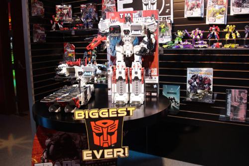 Video tour: The Hasbro, Inc. team lets you play BIGGER with a 2' Metroplex Transformers toy!
