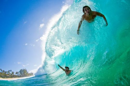 surfahh:  surf-surfer:  Bodysurfing the North Shore, Hawaii Photograph by Ryan Foley, A-Frame  ♒ ✌ SURF BLOG ✌ ♒