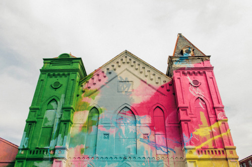 Beautiful pastel graffitied old Church! Artist Hense brings life and colour to the streets of Atlanta