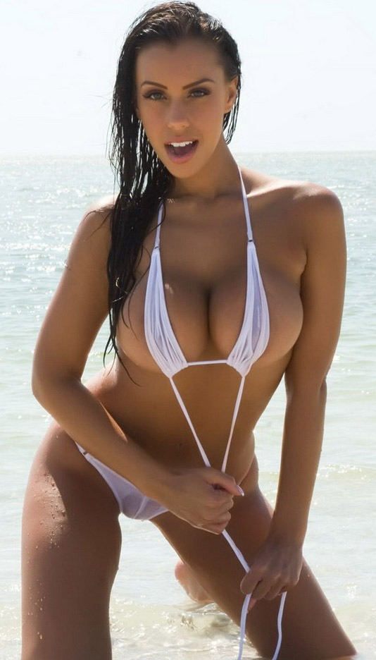 thisgirllovestheladies:  OMG IF I SAW HER AT THE BEACH……