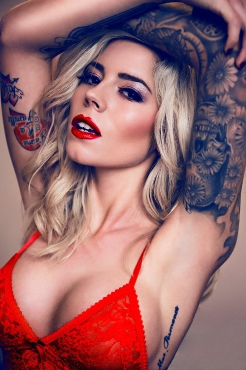 tattoobritish:  Think tattoos have to be bold and dark? Think again! Check out these stunning white ink tats! http://bit.ly/17NZM4m