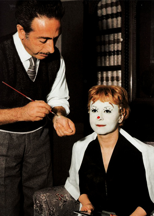 Giulietta Masina on the set of La Strada