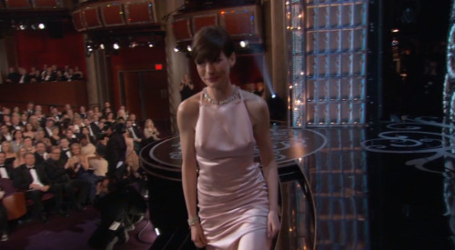 """It came true,"" - Anne Hathaway receiving her first Oscar"