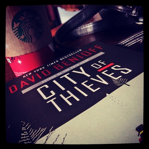 #fmsphotoaday December, Day 9: Out + About #coffee #starbucks #amreading #books #outandabout #teasofabooktime