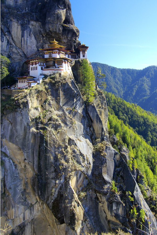 westeastsouthnorth:  Tiger's Nest, Bhutan