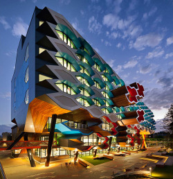 serialthrill:  Molecular Science Building