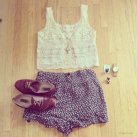 xleaveitontheradiox:  typical summer outfit right here