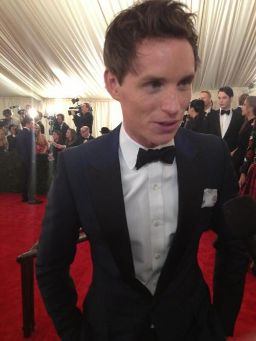 sirredmayne:  being interviewed at the Met Gala!