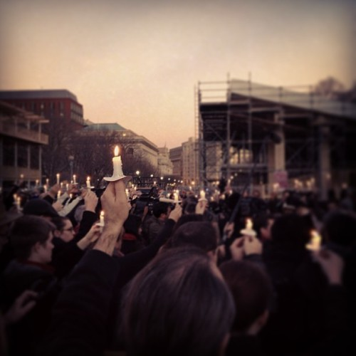 brooklynmutt:  A moment of silence at a candlelight vigil outside the White House (via Photo by patcaldwell • Instagram)