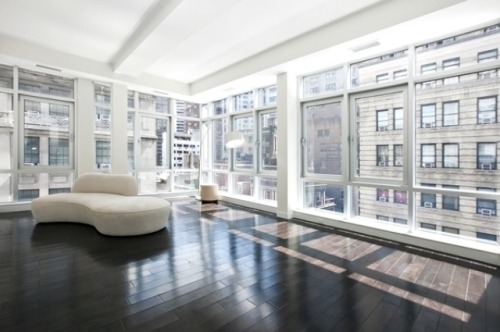Take a look at the top floor of this NYC Financial District Duplex Penthouse Loft….. it really doesnt get any better than this