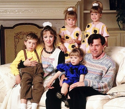 fuckyeah1990s:  the olsen family is creepy