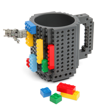 legos + coffee: dunno if this is ergonomically sip friendly. picture cleaning all those nooks and crevices (if you tend to collect a coffee cup village at your desk like i do). BUT IT SURE IS FUN! maybe as a pen holder? then again, i guess i could just build one fr/my lego stockpile amassed fr/raising a boy.