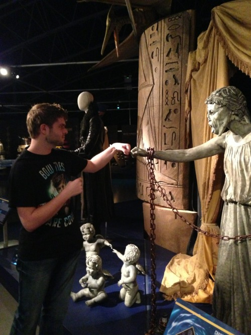 "philosobeard:  Fistbumping one of the actual Weeping Angels from ""Angels take Manhattan!"" WEEPING ANGEL X CAMERON BROTP"