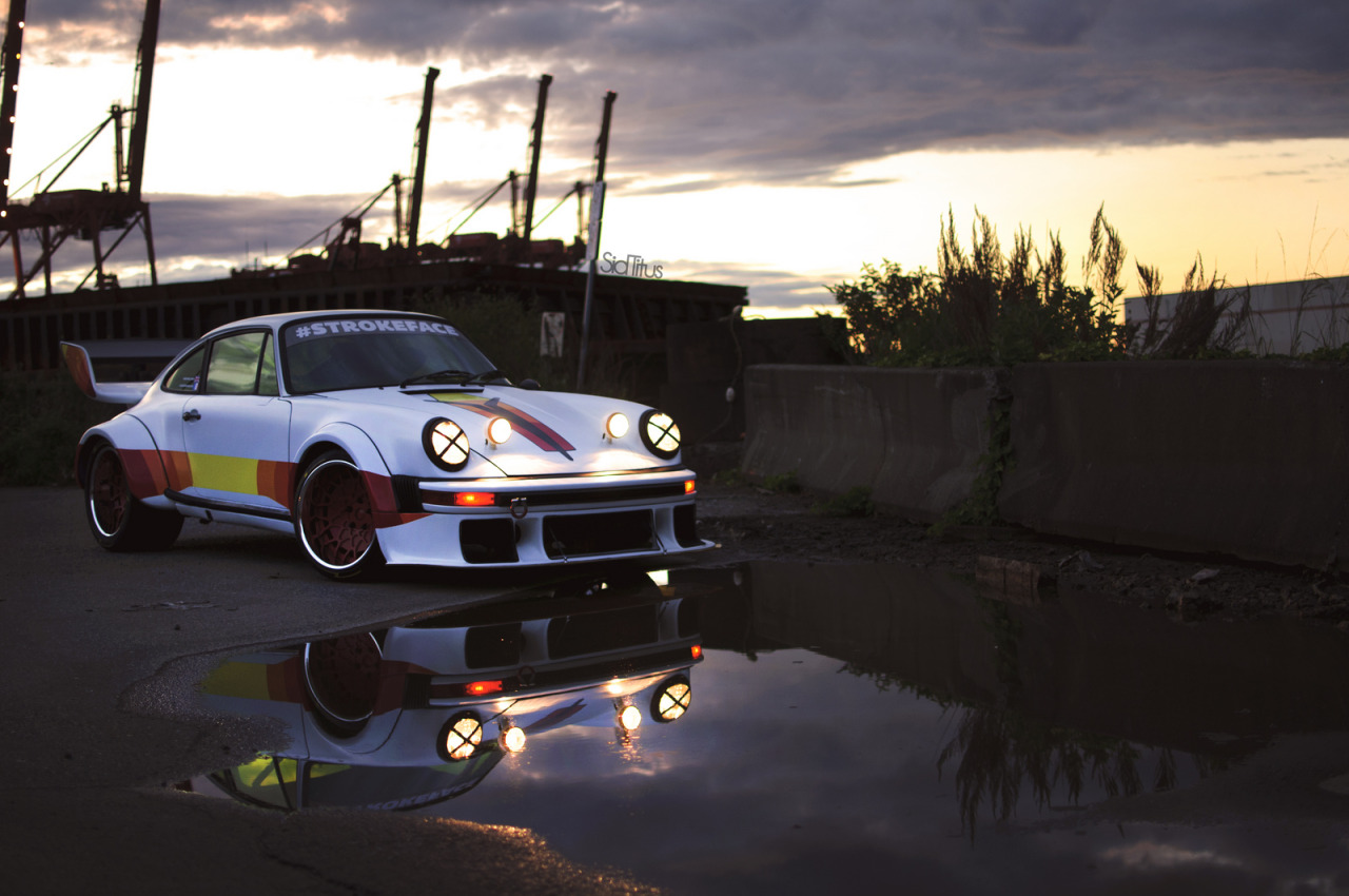 euroaficionado:  Another shot by Sid Titus of Blakes 911.