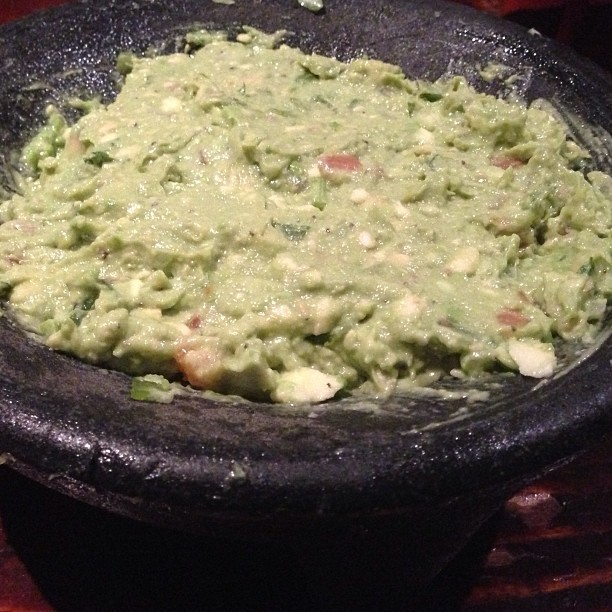 Table side guacamole from Camcho's Cantina at Universal Citywalk.  #universal #touristy #instagood #instafood #food #yum #lunch #instagramfoodlovers #fresh #igdaily #pic #picoftheday #app #mexican #avocado #lime #jalapeno #cilantro #onion #chips #dip #healthy #light #foodporn  #spicy #nofilter