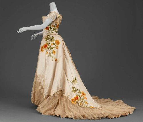 Dress Jean-Philippe Worth, 1902 The Museum of Fine Arts, Boston