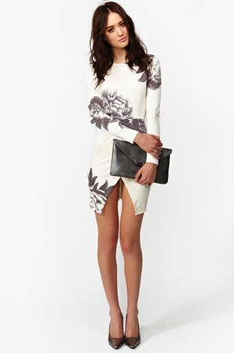 fashionfever:  I'm in L O V E ! Madison Floral Dress