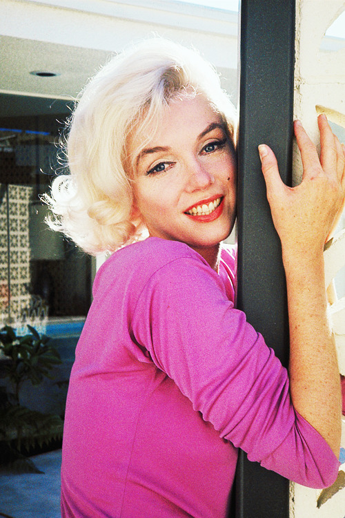 vintagegal:  Marilyn Monroe photographed by George Barris, 1962