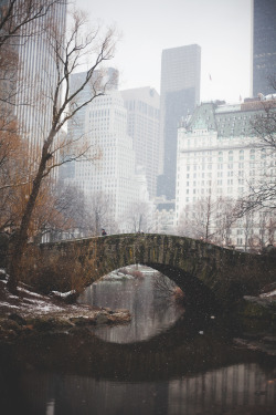 justinamoafo:  A snowy, peaceful day in Central Park. Me, the clouds, and other pedestrians who just want solitude. All I can hear is the quack of the ducks and the soft whispers between a couple walking behind me. This is bliss.