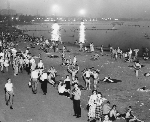 calumet412:  North Avenue Beach, 1951, Chicago