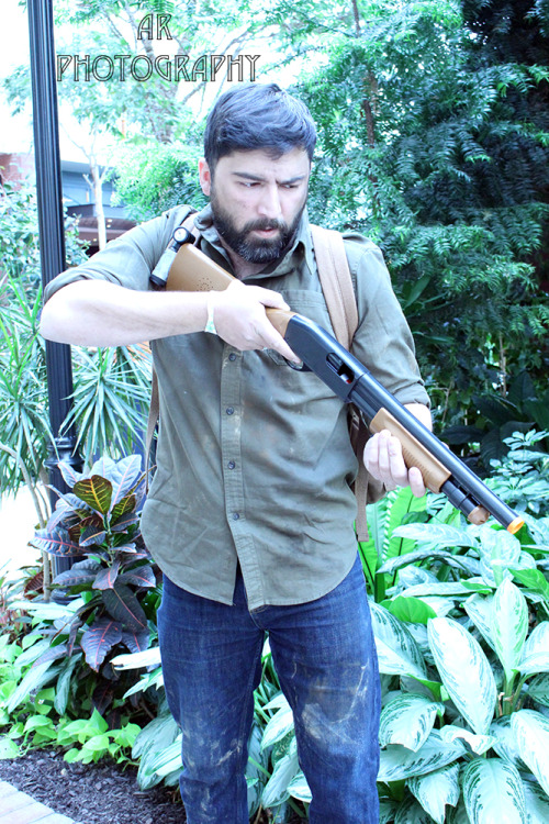 Joel from #TheLastofUs by #cosplayer alliluvsgames. Photos by sweetspectre. #cosplay #playstation http://alliluvsgames.tumblr.com/Full Set: http://www.sweetspectre.com/post/109185144615/a-long-awaited-and-much-deserved-photoset-of-myInterviews, features and more. Visit http://www.sharemycosplay.com Sharing the cosplay for you!