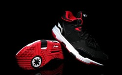 Li-Ning Wade All City Black/Red The second collaborative footwear to come out of the relationship between Li-Ning and the Miami Heat player, Dwayne Wade, is the Wade All City kicks, available in black/red. Although the kicks doesn't look a lot different from its predecessor, the shoes have had some improvements made which makes them an exciting release from Li-Ning. The shoe features a whole palm IP injection cushioning technology, a TPU support bar at the arch of the foot for a much better and secure fit, and Li-Ning's Bounse cushioning technology. On the exterior, the Wade All City enveloped in premium black leather, nubuck and mesh. The Wade All City is available to purchase at major Li-Ning retailers for 元499 CNY, or approximately $81 USD / £53 GBP.