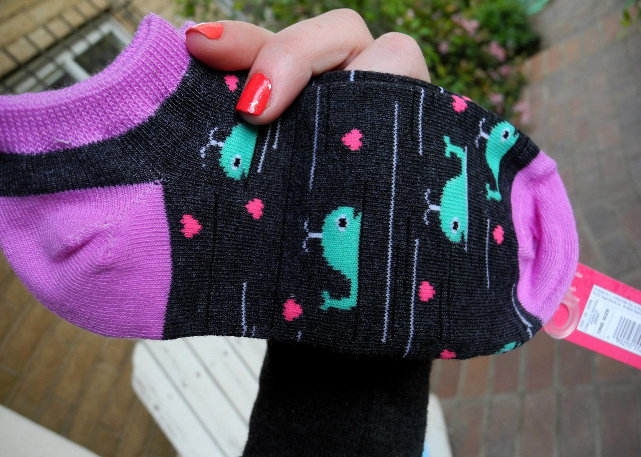mis3rable-at-b3st:  yay whale socks